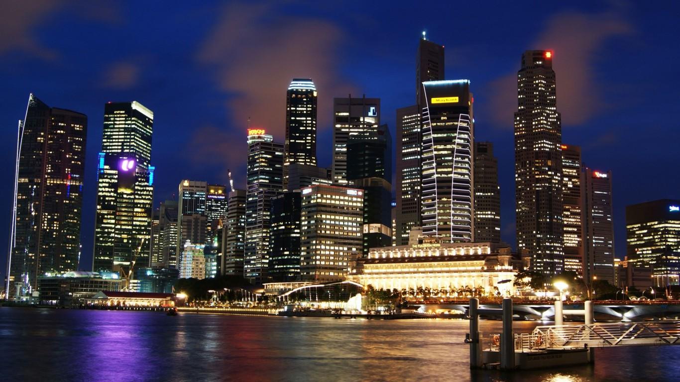 Singapore-Skyline-768x1366